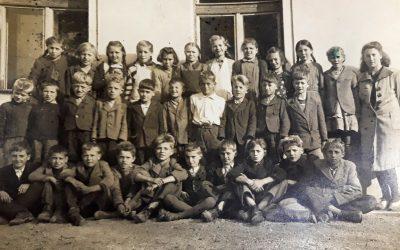 Šola in preživljanje prostega časa otrok v času naših babic in dedkov ter danes